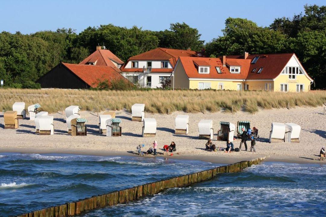 """""""Blick von der Seebrücke zum Haus am Meer"""" Pension Haus am"""