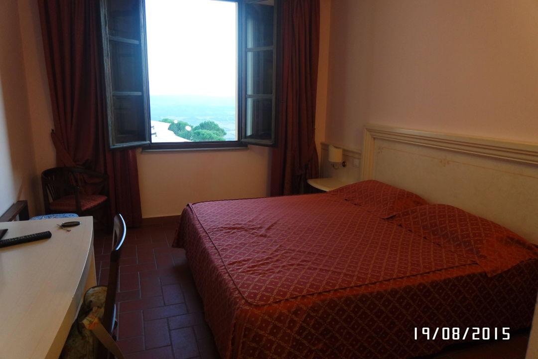 Kleiner Raum Park Hotel Le Fonti