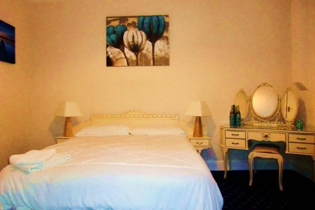 Standard room Greenbank Hotel