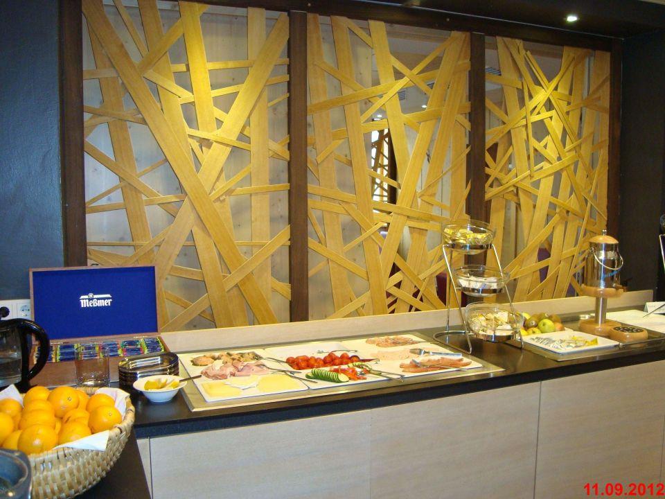 Bild fr hst cksbuffet zu living hotel max in zell am see for Designhotel zell am see living max