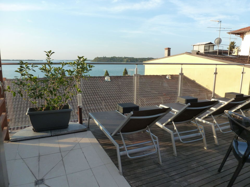 Terrasse letzte etage atelier hotel design in gardone for Design hotel eifel bewertung