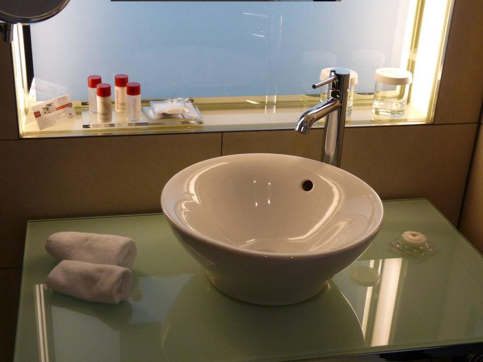 Waschtisch Badezimmer\