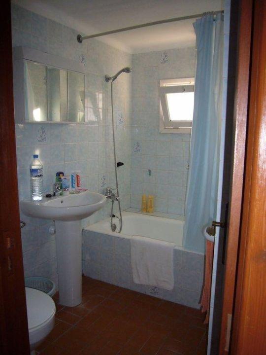 Badezimmer mit Wanne Hostal Marina