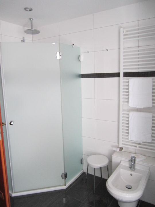 Overkant van de badkamer \