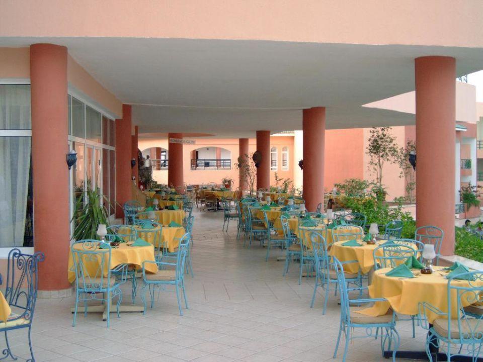 Restaurant (aussen) Royal Albatros Moderna