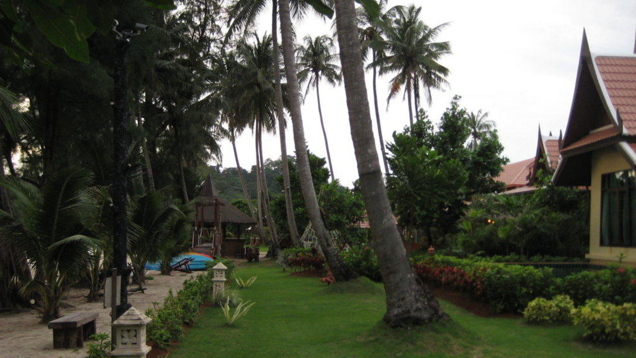 Strand Hotel Koh Chang Paradise Resort