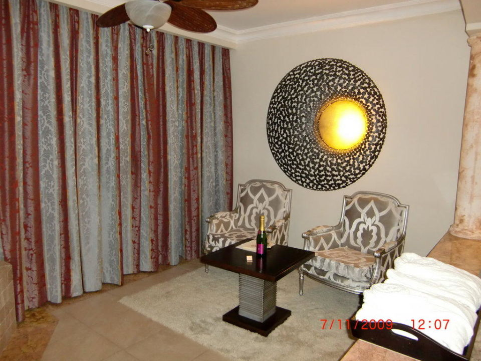 Sitzecke im Zimmer Majestic Elegance Punta Cana Resort