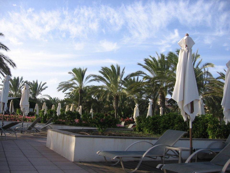 Ein Teil der Sonnenterrasse Lopesan Costa Meloneras Resort, Spa & Casino