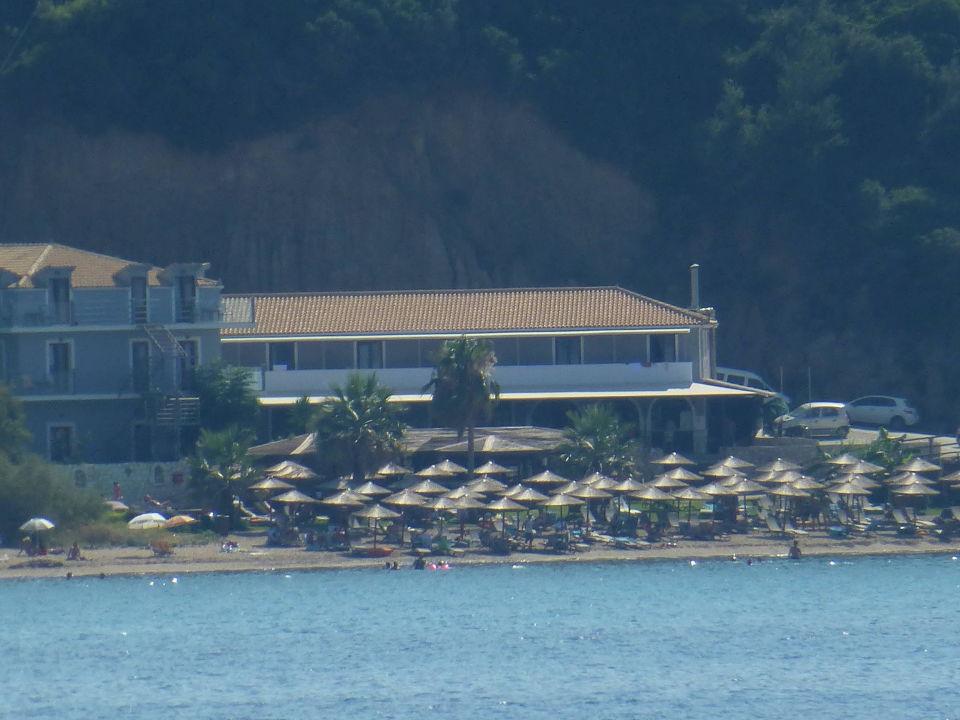 Widok hotelu z wycieczki na statku pirackim Hotel Porto Zorro