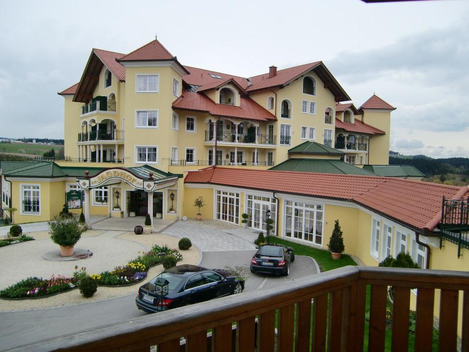 Eingang zum Hotel Wellnesshotel Jagdhof