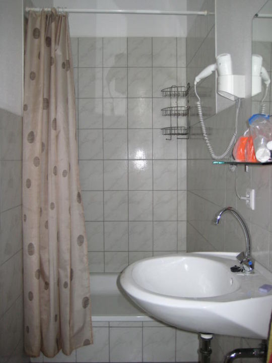 Bad mit Dusche Apartments Kolo 77