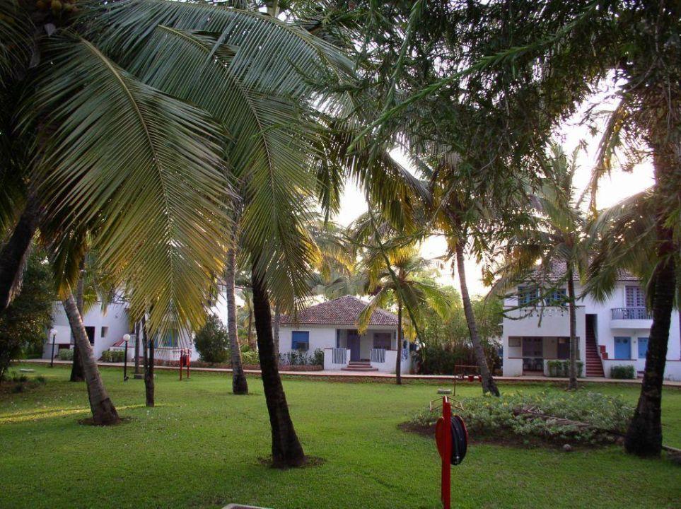 Die Bungalows im Hotel Novotel Goa Dona Sylvia Resort