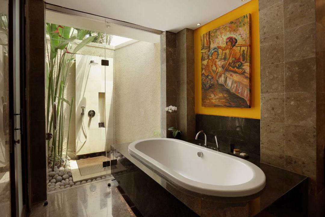 Four Bedroom Villa - Bathroom Villas Mahagiri Sanur