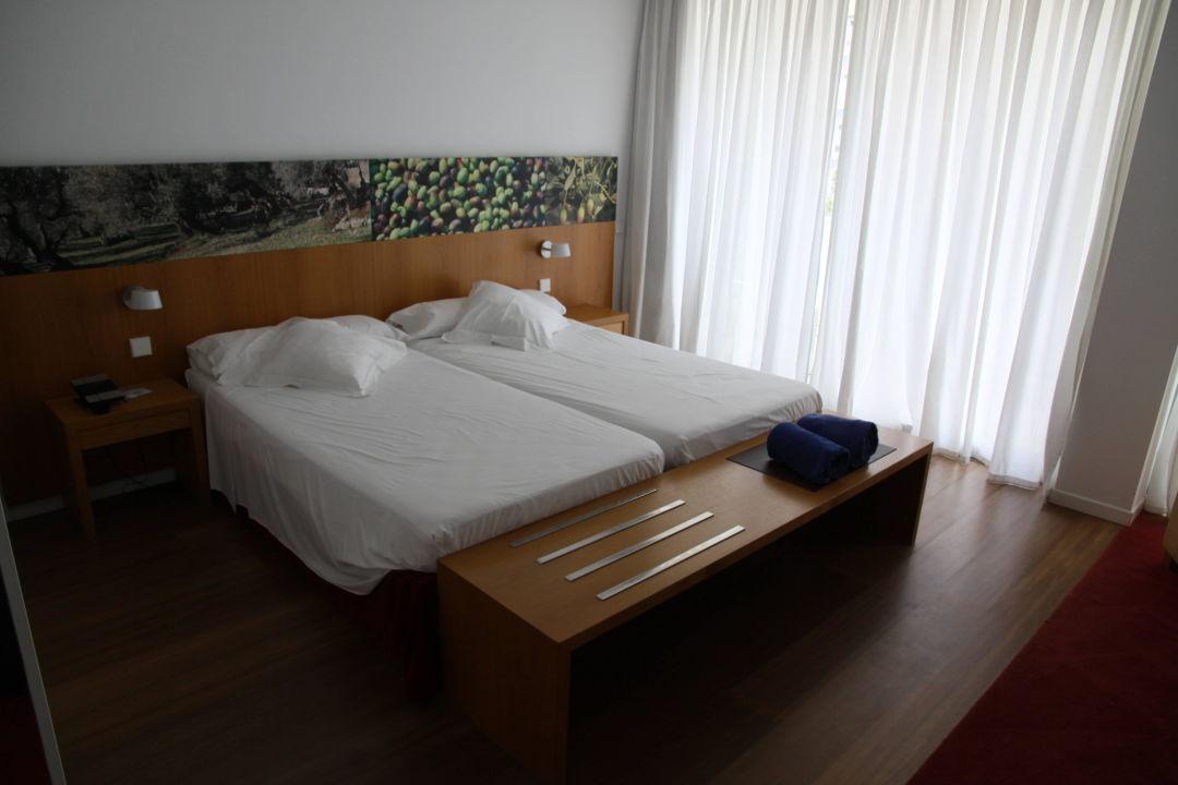 Die Betten sind sehr bequem Aimia Hotel