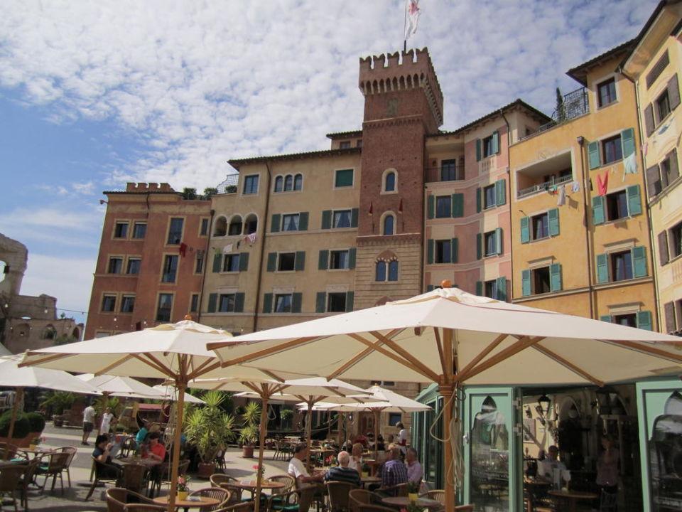 Bild innenhof des hotels zu hotel colosseo europa park - Hotel colosseo europa park ...