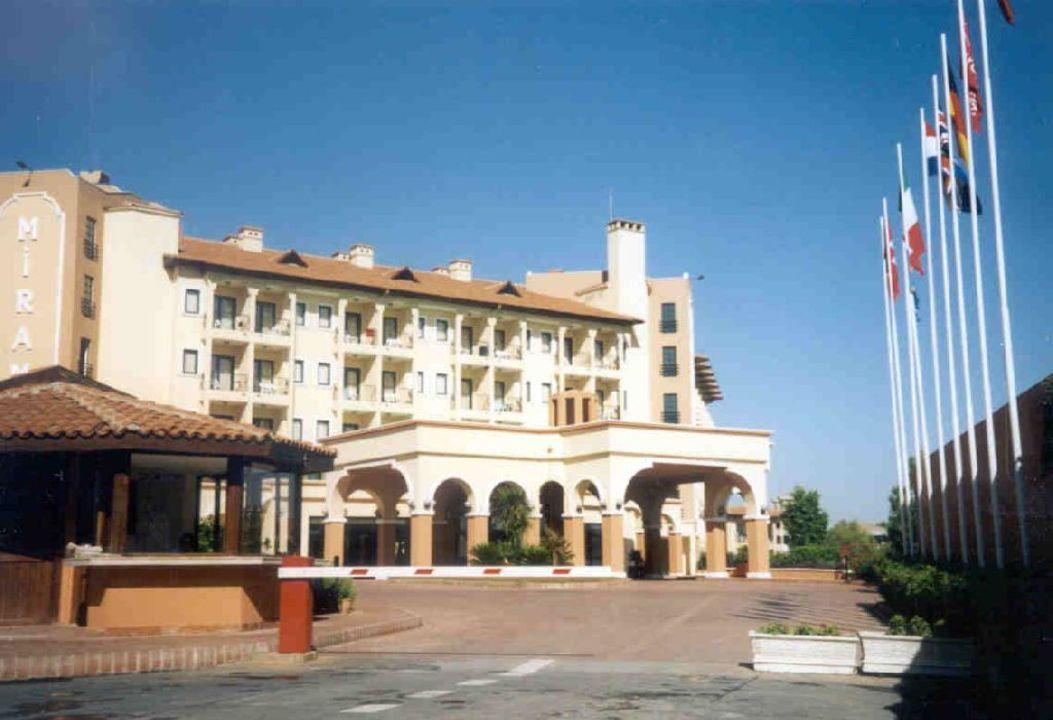Auffahrt Hotel Miramare Queen