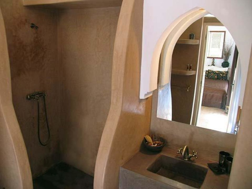 Salle de bain en tadelakt traditionnel\