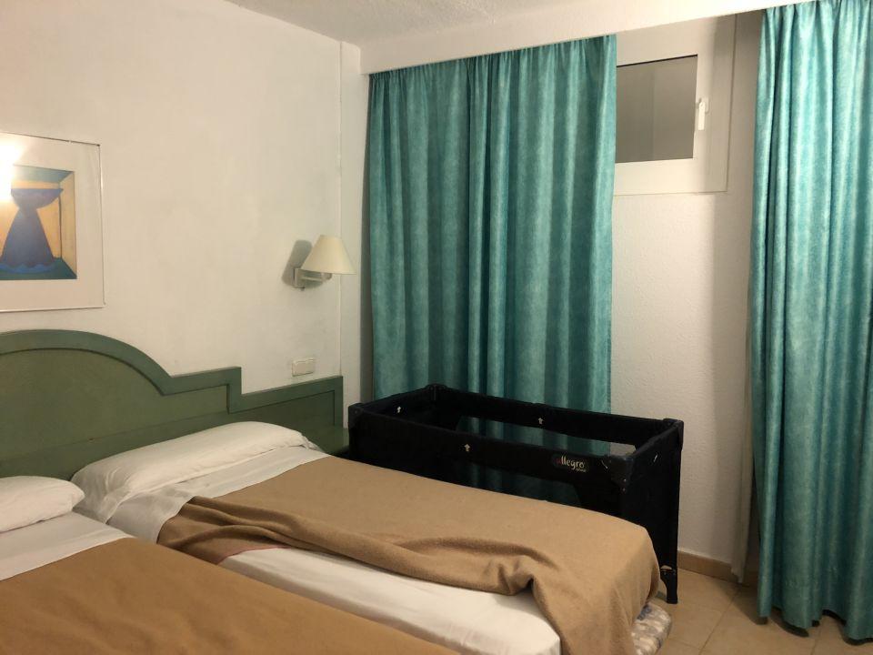zimmer iberostar ciudad blanca alcudia holidaycheck mallorca spanien. Black Bedroom Furniture Sets. Home Design Ideas