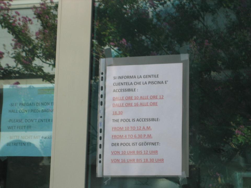 Verbotsschilder Hotel San Carlo Vacanze