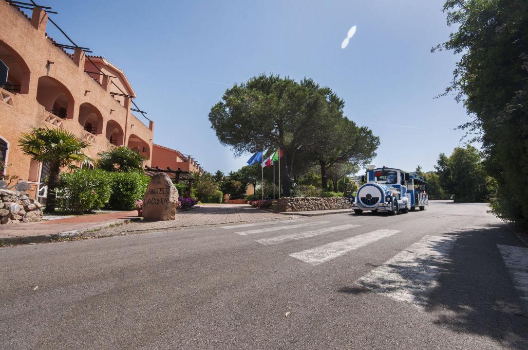 Trenino navetta  Blu Hotel Laconia Village