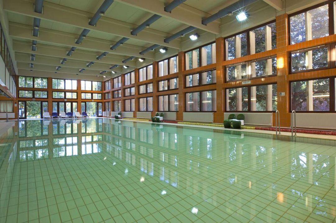 Swimming Pool Hotel Marina