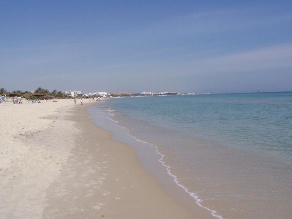 Strand vor Hotel Vendome El Ksar Resort & Thalasso