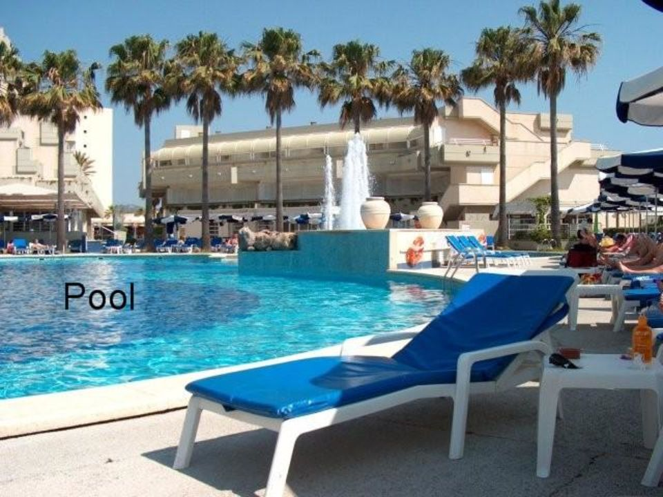 Poolbereich vom Hotel Mediterraneo auf Mallorca Hipotels Mediterraneo - Adults only