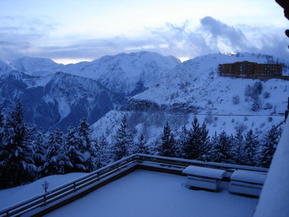 Widok na góry z restauracji Hotel Du Pic Blanc