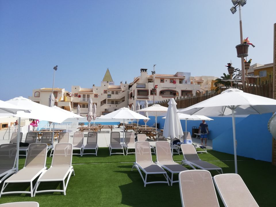 Pool Blau Punta Reina Resort