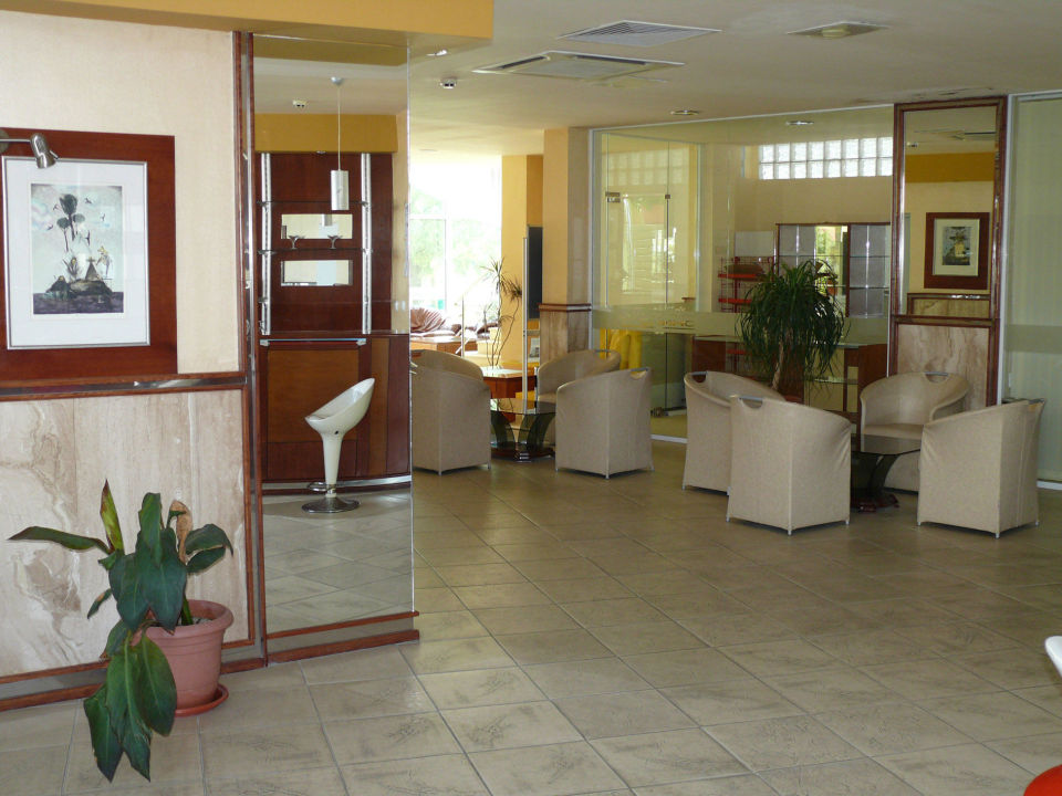 Lobby Hotel Onyx