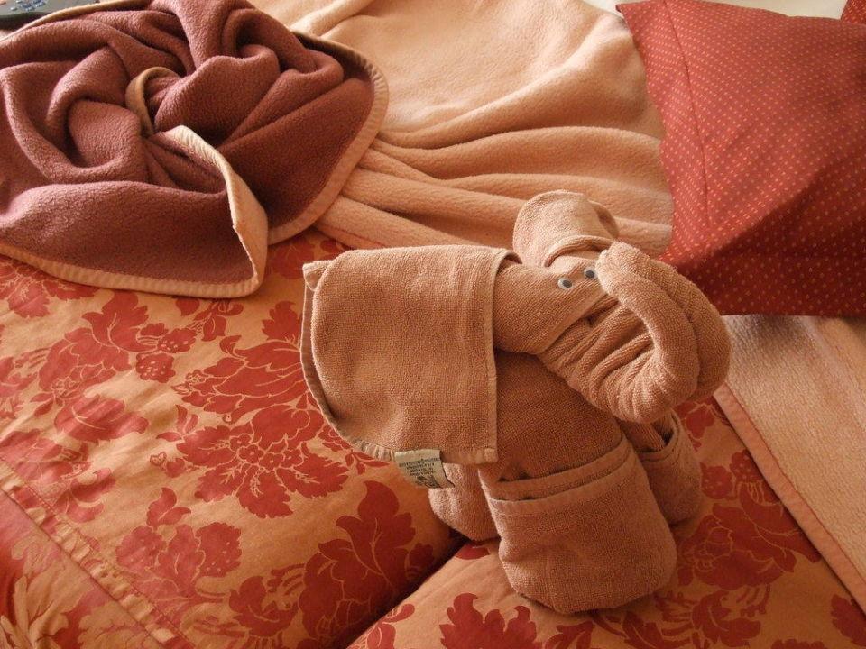 Betten wurden jeden Tag anders dekoriert Hotel Riu Paraiso Lanzarote Resort