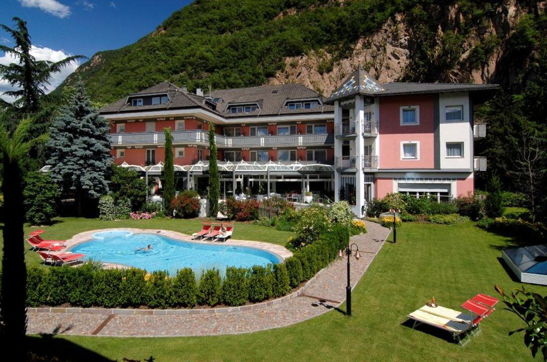 Hotelfassade Business Resort Parkhotel Werth