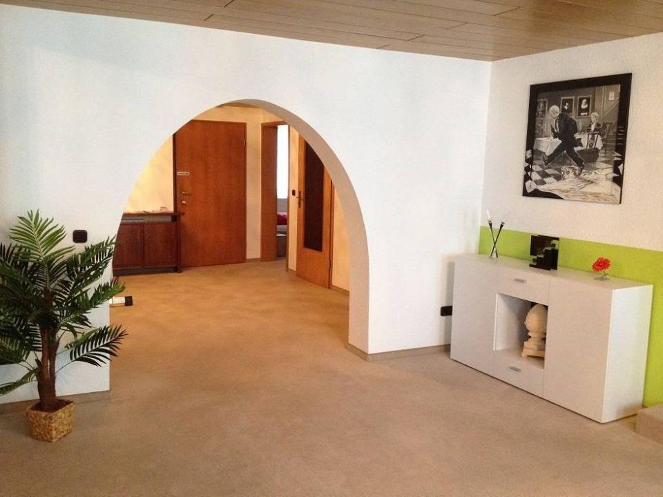 bild sitzecke f r 6 personen in der offenen k che zu ferienwohnung commisse in rinteln. Black Bedroom Furniture Sets. Home Design Ideas