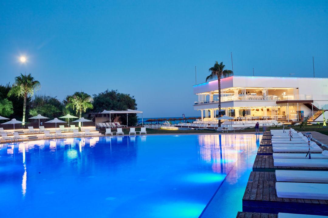 Pool Atlantica So White Club Resort