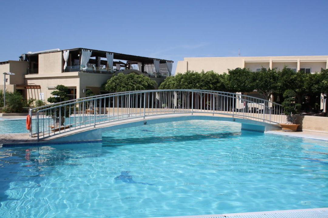 Pool bei Tag Hotel Sandy Beach