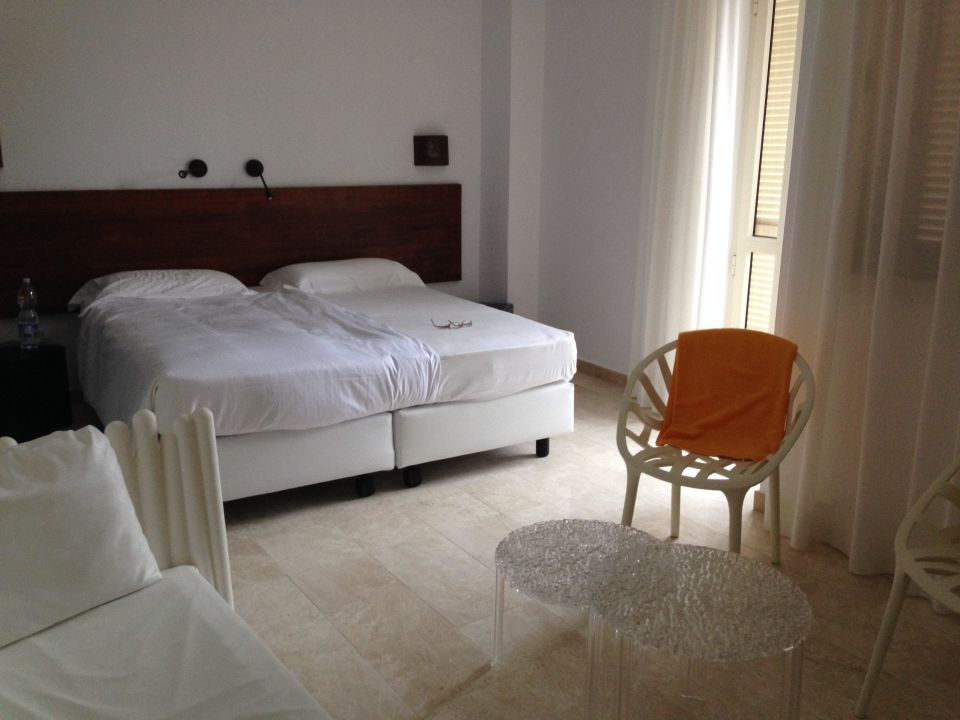 gute betten tirreno resort in orosei holidaycheck sardinien italien. Black Bedroom Furniture Sets. Home Design Ideas