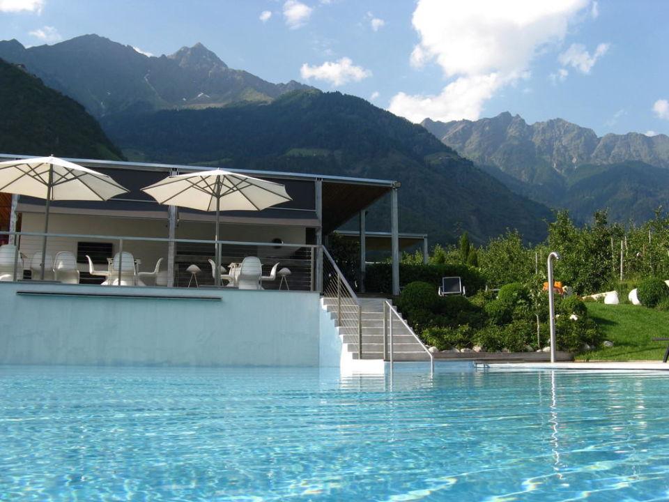 Pool design hotel tyrol parcines partschins for Designhotel italien