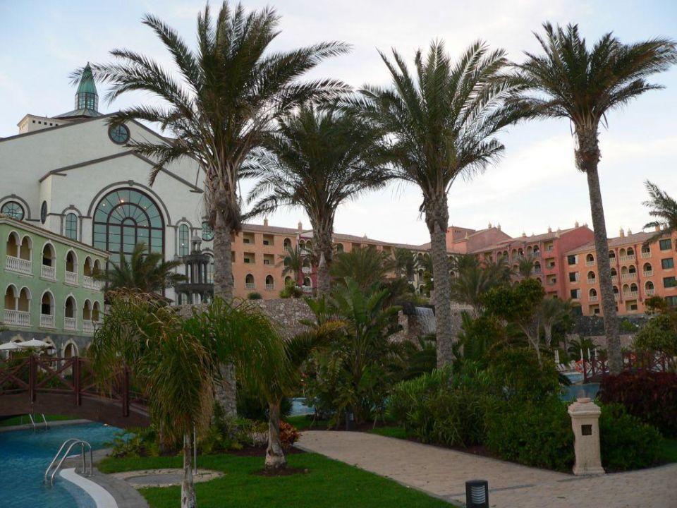 Hotel Rückseite mit Poolbereich R2 Rio Calma