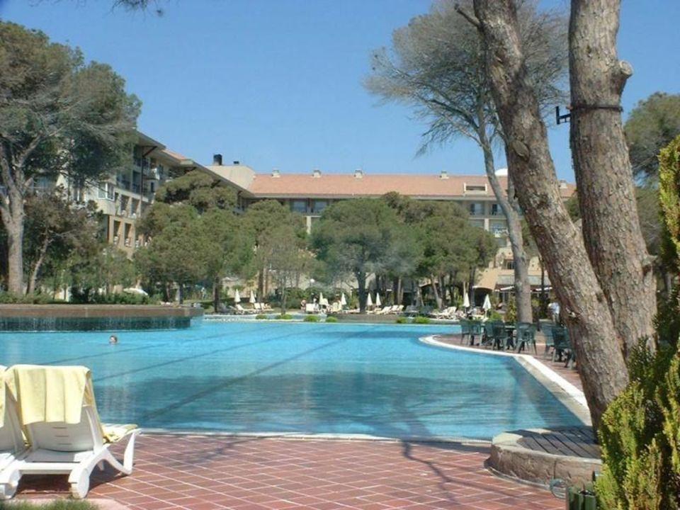 Hotel Rixos Belek - Pool-Anlage mit Haupthaus Papillon Ayscha Hotel