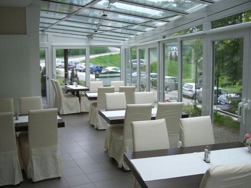 wintergarten im restaurant landhaus am kirschbaum in. Black Bedroom Furniture Sets. Home Design Ideas