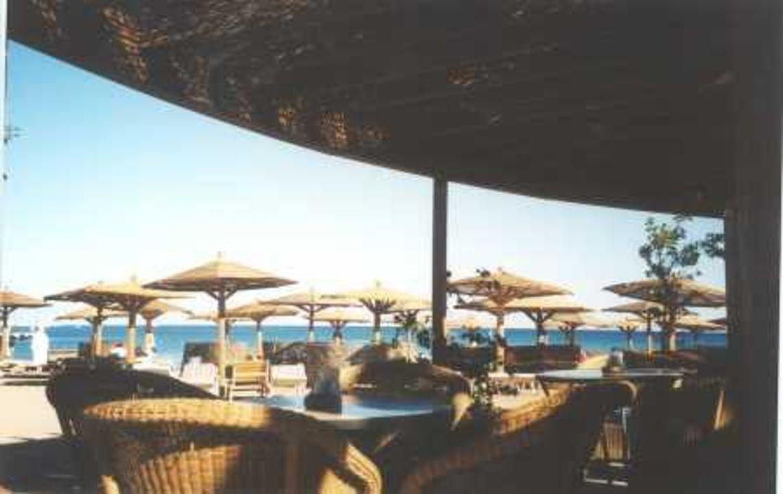 Le Meridien Makadi Bay - Blick aus Beachrestaurant auf Stran Tia Heights Makadi Bay