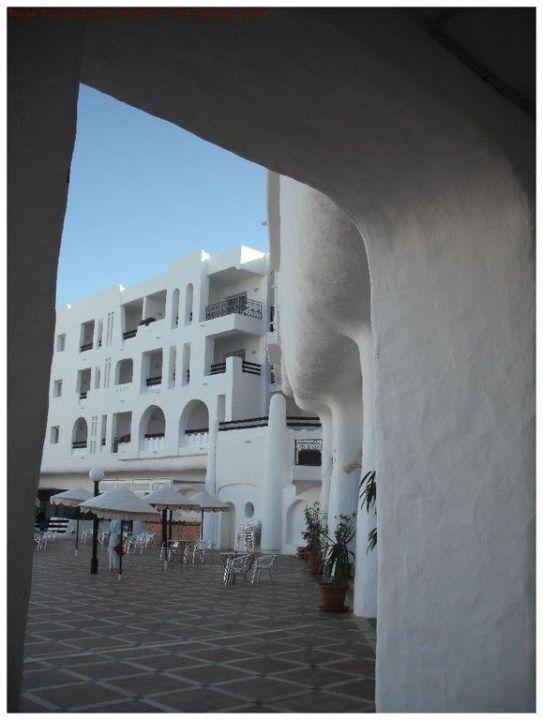 Blick auf die Außenanlage des Hotels Hotel Yasmine Beach Resort