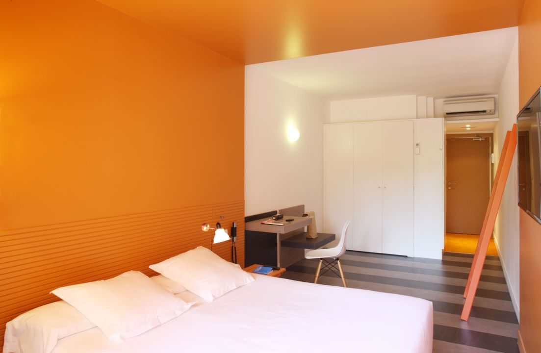 Hotel Chic And Basic Barcelona