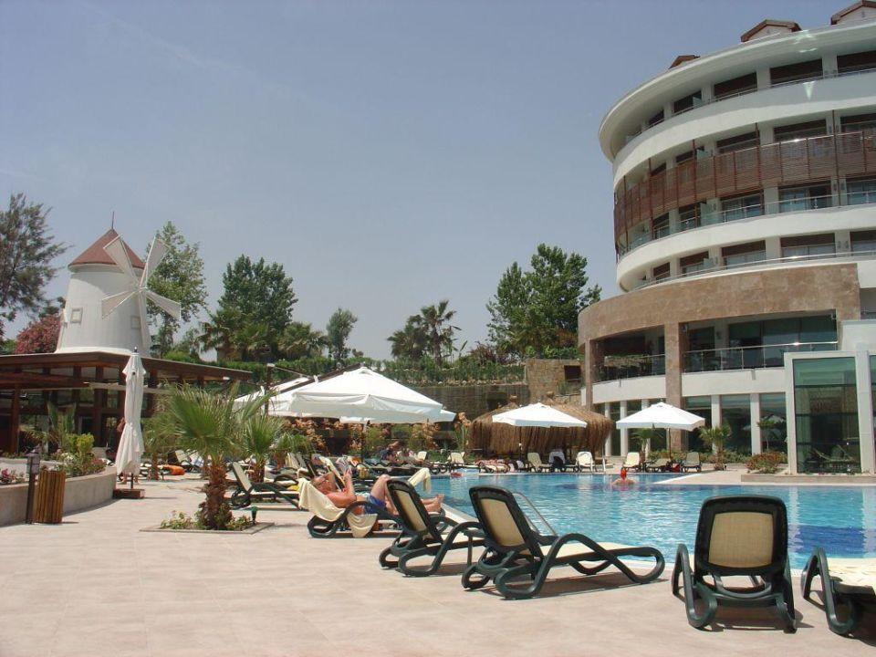 Blick zum Pool Alba Royal Hotel