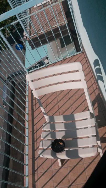 Sehr kleiner Balkon Hotel Savina