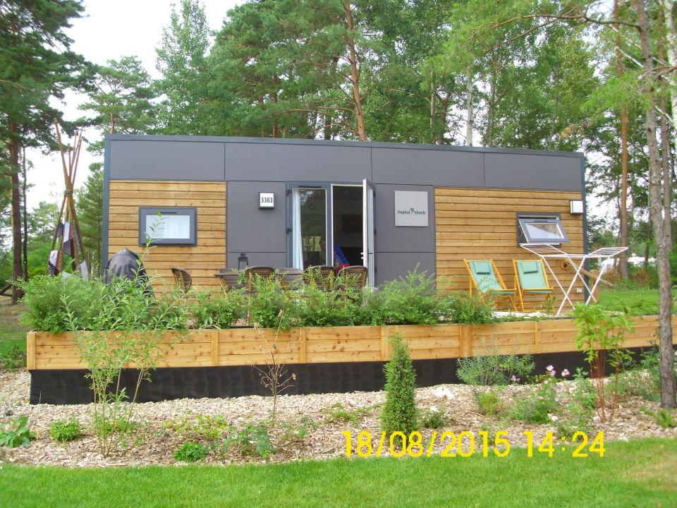mobil home von au en tropical islands resort mobile. Black Bedroom Furniture Sets. Home Design Ideas
