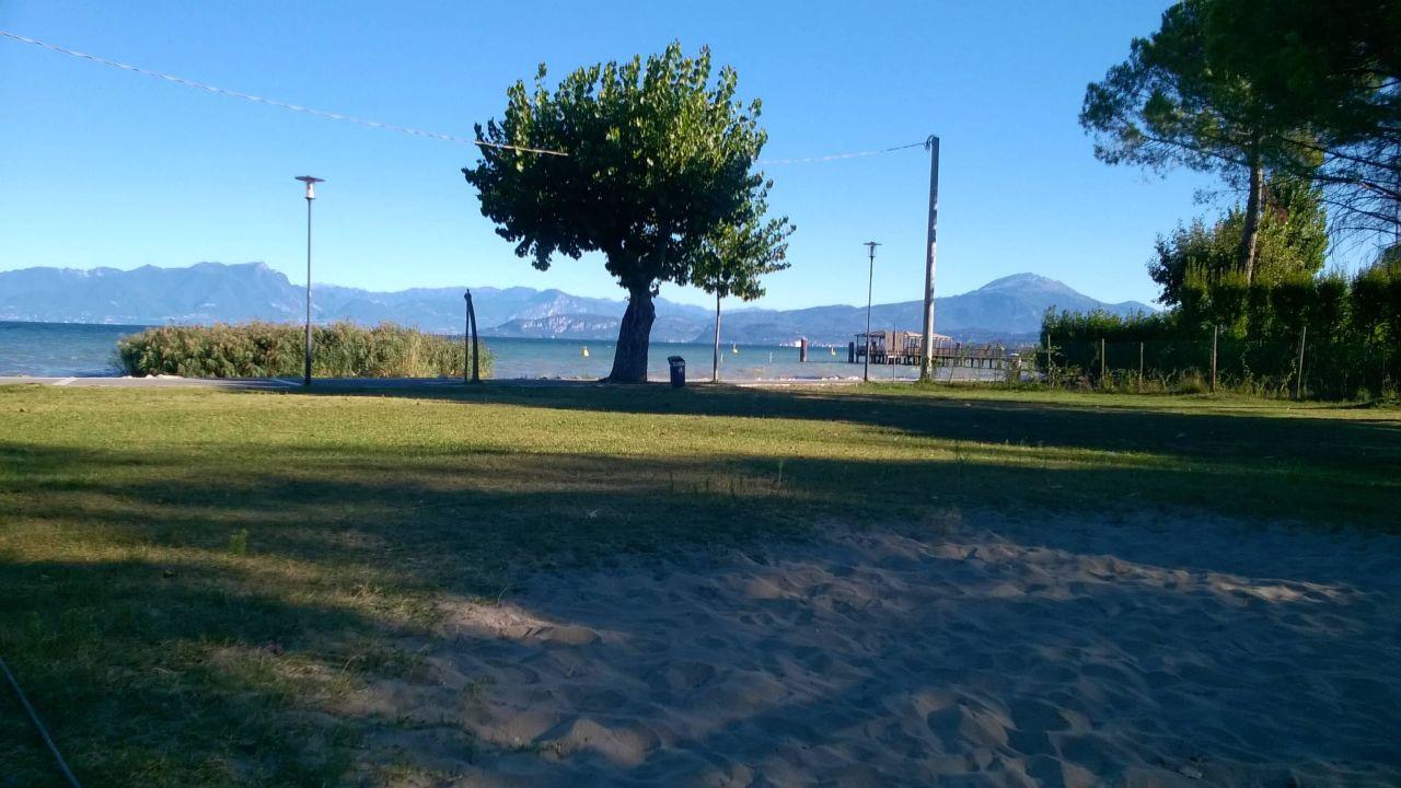 Privatstrand mit Volleyballfeld Gasparina Village