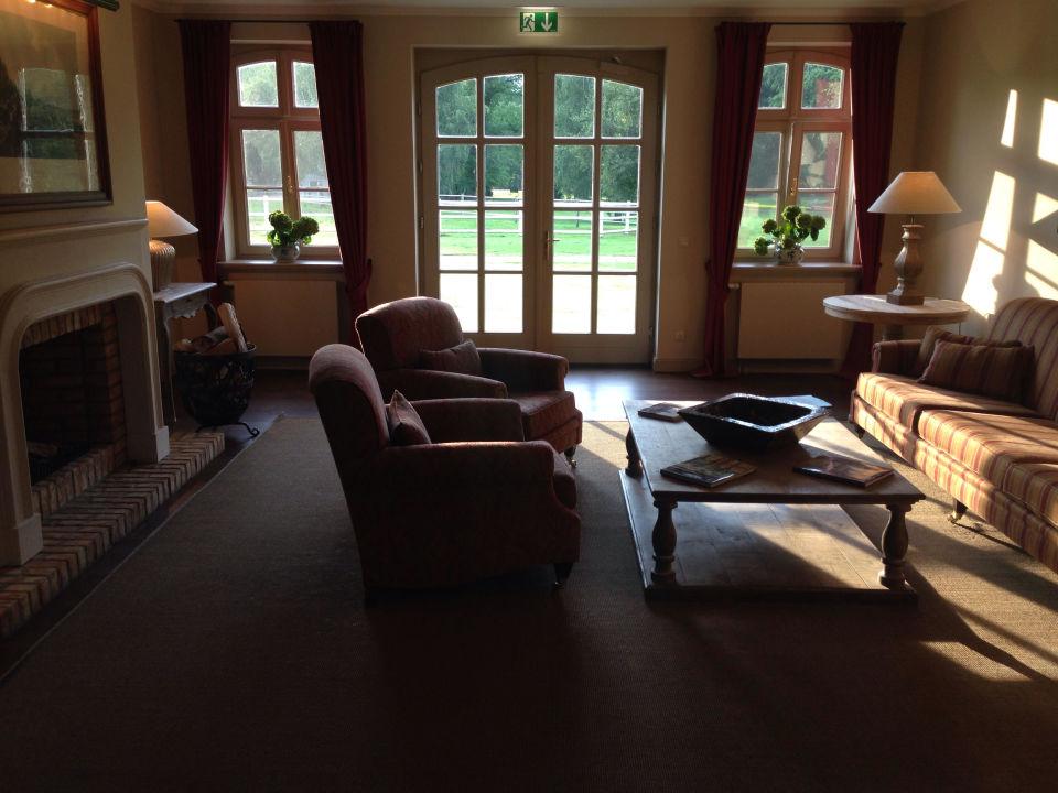 foyer stallungen golfhotel schloss l dersburg l dersburg holidaycheck niedersachsen. Black Bedroom Furniture Sets. Home Design Ideas