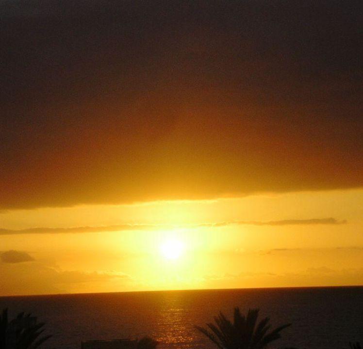 Sonnenuntergang vom Balkon aus gesehen Hotel H10 Conquistador