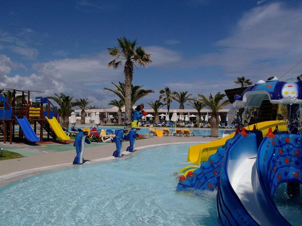 Kinder wasserrutschen lyttos beach hotel in analipsi for Designhotel mit kindern